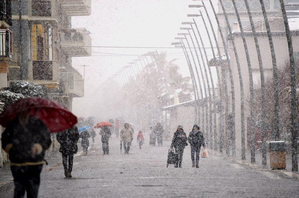 Italia,maltempo e raffiche di vento al Centro Sud. Pasquetta nella bufera
